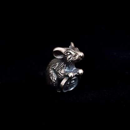 Оберег Мышка с монетой